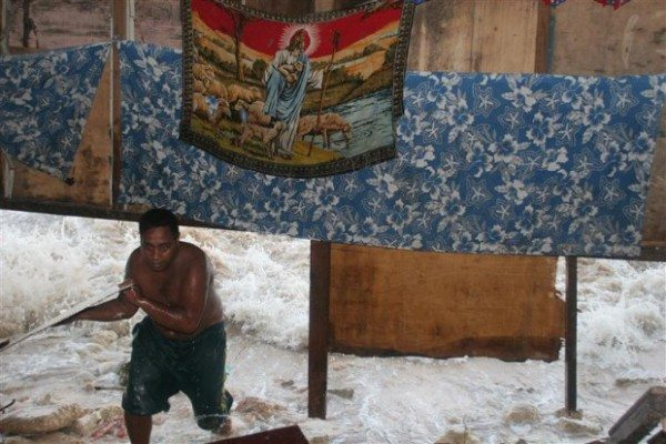 Kiribati King Tides flooding documentation (Kiribati : 2005)
