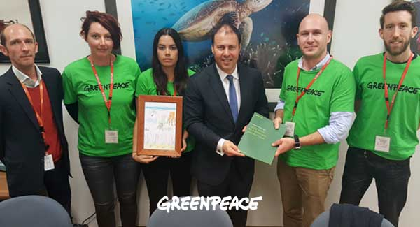 Greenpeace meets with the new Environment Minister Josh Frydenberg