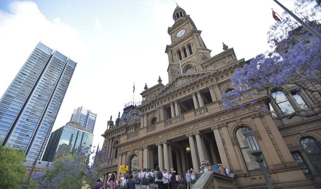 People queue at Sydney Town Hall in anticipation of Naomi Klein's acceptance of the 2016 Sydney Peace Prize on 11 November.