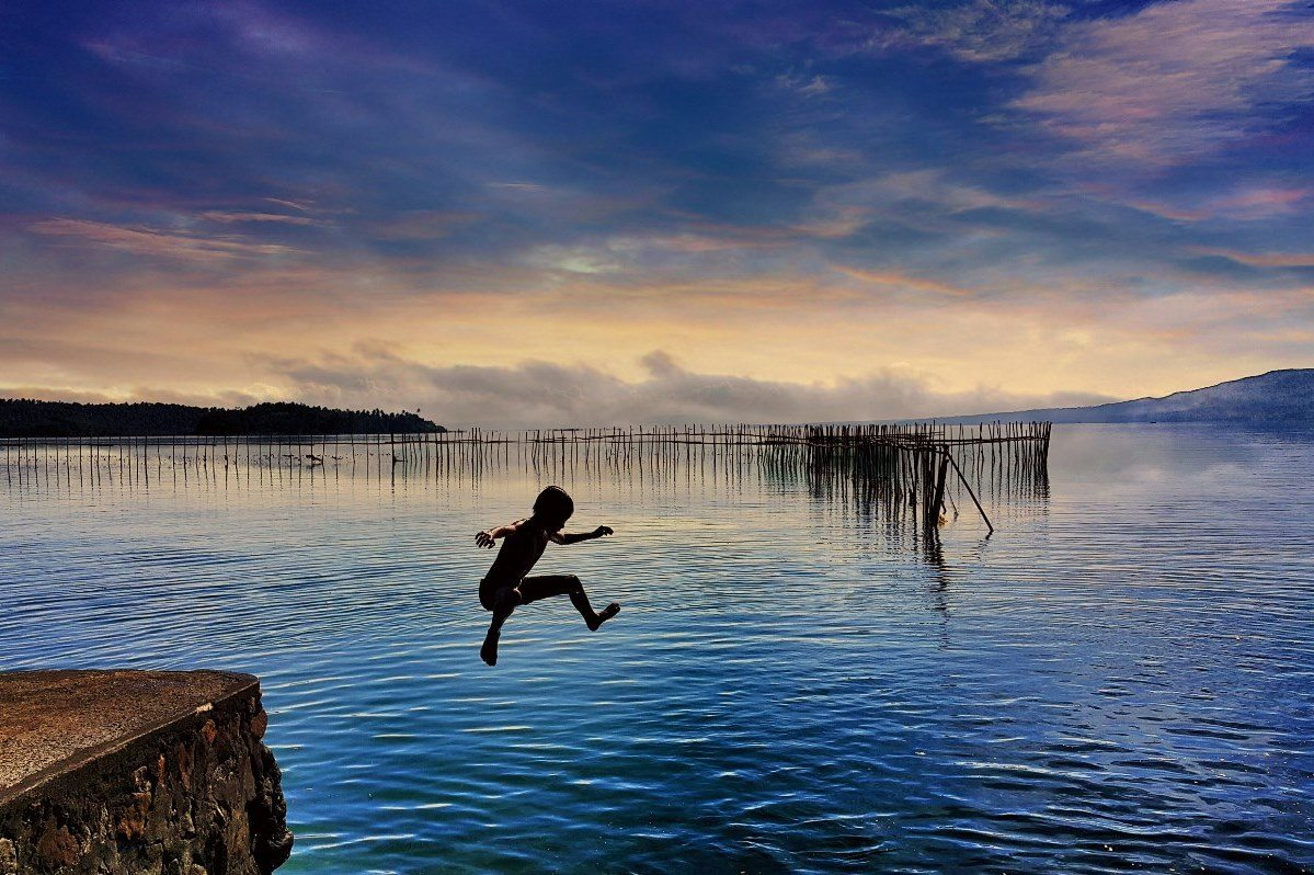 Child of the ocean, Luzon, Philippines ~ Natz Alcera CC BY-SA 4.0