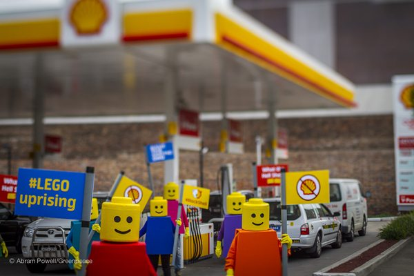 Shell's partnership with LEGO has created outrage! LEGO's come together to protest.
