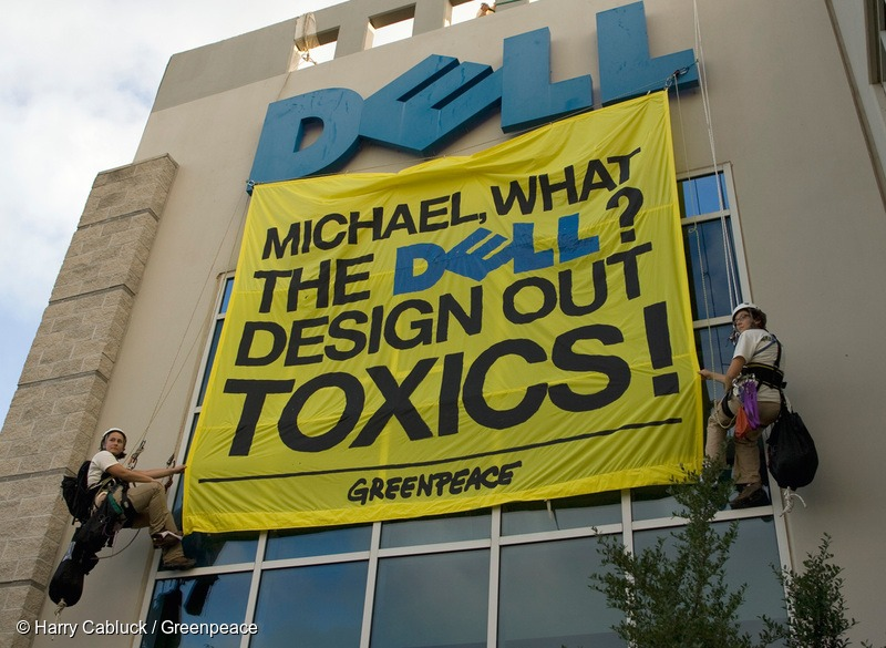 Toxics Banner on Dell HQ in Texas