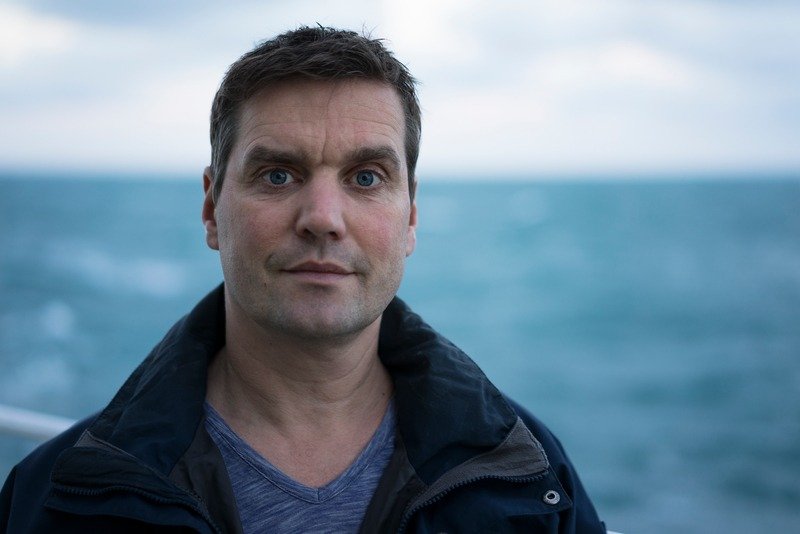 Campaigner Thilo Maack in the English Channel
