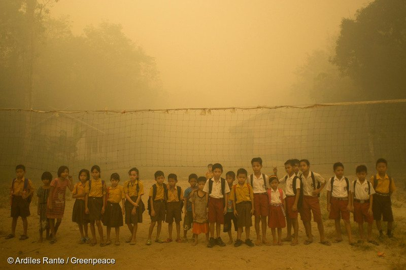 Haze covers children's playground in Central Kalimantan, 24 Oct, 2015