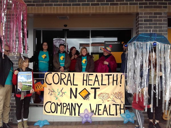 Greenpeace supporters in Armidale come together to tell CommBank to dump coal.
